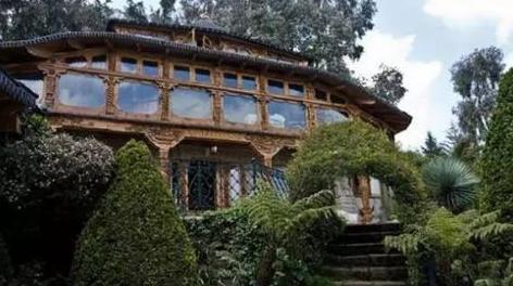 中国共産党幹部の家写真!札束だらけの豪邸!これがチャイナーマネーの姿!