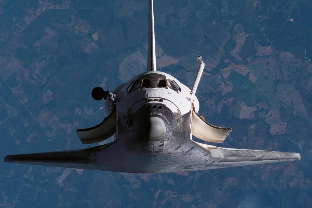中国が世界最大のスペースシャトルを開発中!一般人用の宇宙旅行スペースシャトルとは?値段はいくら?